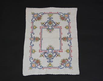 Vintage Hand Embroidered Floral Placemats, Set of 2 (E8395)