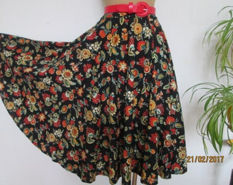 Cotton Circle Skirt / Floral Circle Skirt / Skirt Vontage / Cotton Skirt / Size EUR42 / UK14 / Full Skirt / Cotton Skirt
