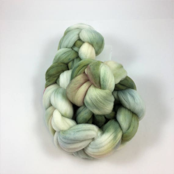 Merino Wool Roving, READY TO SHIP,  21.5 micron, 4 oz, Spinning fiber, Wool felting, Soft wool roving, combed wool top, Pistachio