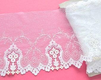 White Leaf Lace, White and Ivory Floral Lace, White Wedding Trim, Bridal Veil, Mantilla Lace, Dolls, Wedding Accessories, Lace Crafts