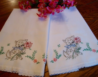 Kitty Cat Pillowcases Pair of Vintage Embroidered Pillow Slips Pillow Covers Bed Linens