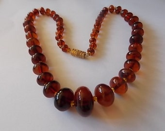 Vintage Amber Oval Graduated Beads Necklace - PRETTY
