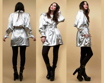 80s Vtg Silver Lamé Metallic Trench Coat Parka SPY Jacket / LILLI RUBIN Futuristic Mod Glam New Wave / Medium