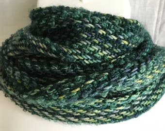 Handwoven Scarf   Green Scarf   Handmade Scarf   Classy Scarf   Fashion Accessory   Woven Scarves   Gift For Her   Gift For Him   Must Have