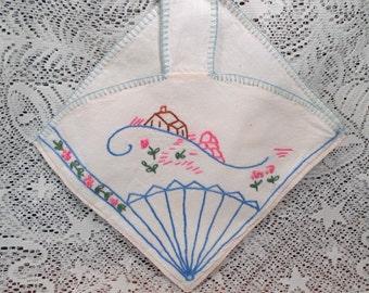 Vintage Parasol or Fan Shaped Cloth Linen NAPKIN HOLDER