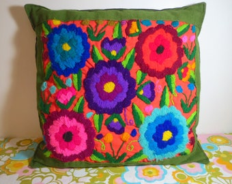 Vintage 1970s Retro MOD Groovy Flower Power Crewel Green Linen Sofa Throw Pillow