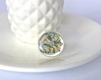 Green and Gold Statemant Ring, Large 18mm Round Silver Ring, Pressed Flower Ring, Resin Ring, Natural Leaves, Nature Inspired Ring, Spring