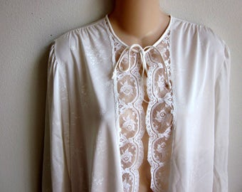 SALE Short robe white Lorraine silky nylon cover up bed jacket top  L