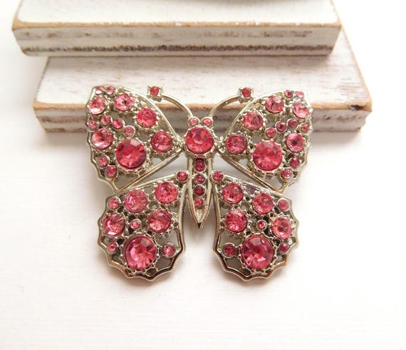 Retro Cotton Candy Pink Rhinestone Silver Tone Butterfly Brooch Pin W39