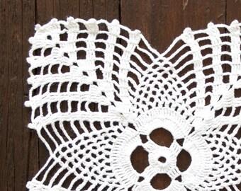 White square Crochet Doily Vintage doily