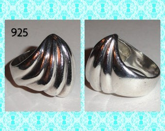 Sterling Silver Marked Stamped 925 Rippled Ripple Style Design Heavy Size 8 Ring