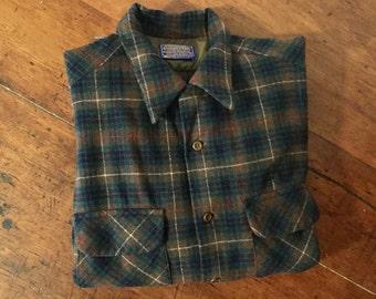 Vintage 1960s Pendleton 100% Virgin Wool Mens Shirt,size Large,Oxford Stye,Flap Pockets