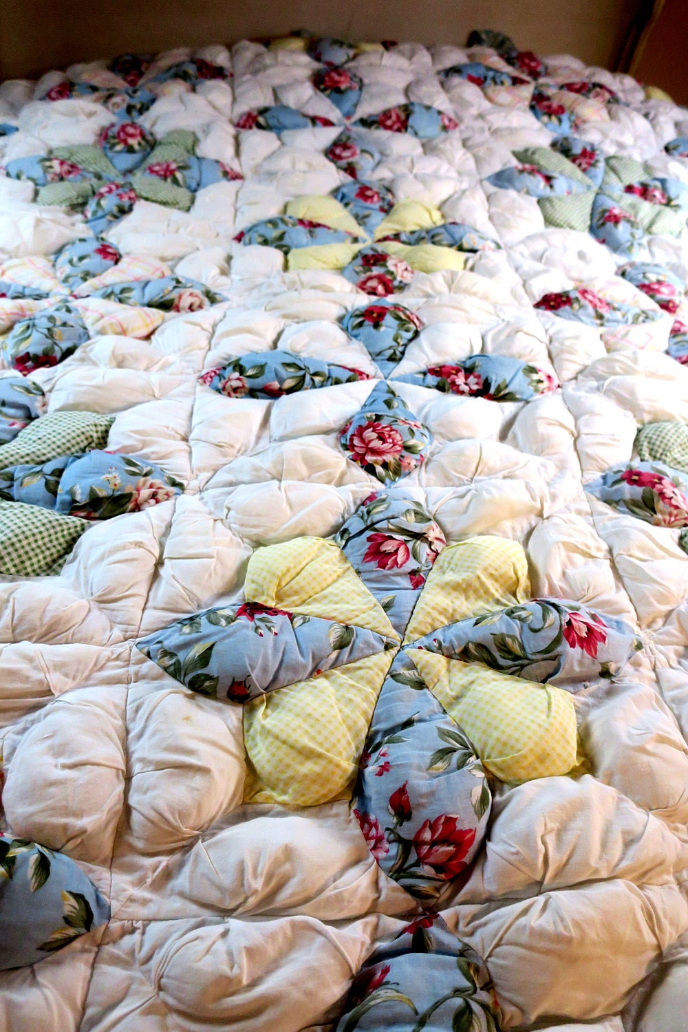 Quilt Comforter Puffy Quilt White W Blue Amp Yellow