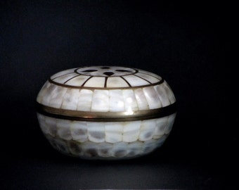 Large Brass Mother of Pearl Inlay Round Jewelry Trinket Box Bohemian Dresser Shell Vanity Dish