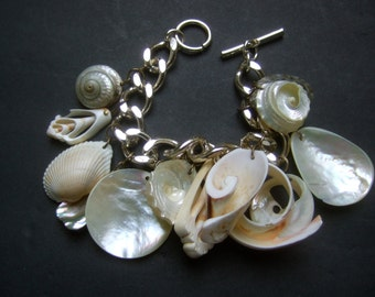 Exotic Sea Shell Dangling Charm Bracelet c 1970