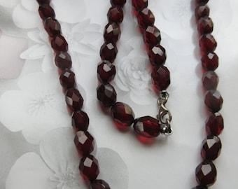Art Deco Cherry Amber Prystal Bakelite Necklace - Bakelite Faceted Bead Necklace - Vintage Beaded Necklace - Cherry Red Necklace - Estate