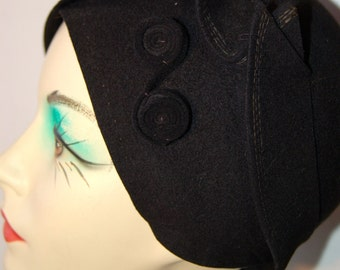 1920's black felted wool cloche