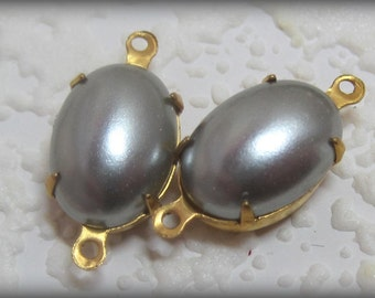 Grey Pearl Oval 21MM Glass Rhinestone in Brass 2 Ring Connector
