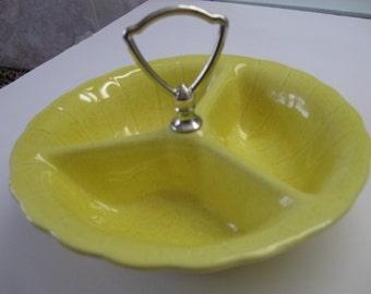 Yellow Speckled Divided Dish Metal Handle, Vintage, Easter Yellow, USA, Lane & Co., 7 1/2 in by 5 tall, rosesandbutterflies, traditional