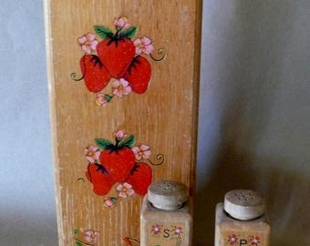 Vintage 1950's Knife Wall Holder And Salt and Pepper Shaker Rooster and  Strawberry Appliqué Rustic Decor Primitive Cabin Decor