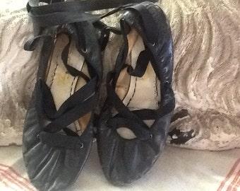 Vintage 1940's Black Ballet Slippers