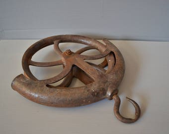 Cast Iron Well Pulley ~ Industrial Decor ~ Antique Hardware ~ Round Metal Pulley ~ Farmhouse ~ Epsteam