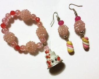Shopkins Wendy Wedding Cake Charm Bracelet Set, Season3, Shopkin Jewelry, Kawaii Jewelry,Costume Jewelry, Dress up jewelry, stocking stuffer