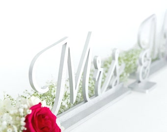 Mr and Mrs Sign, Wedding Signage, Silver Mr. and Mrs. Sign, Bride and Groom Signs, Sweetheart Table Decor, Wedding Signs, Wedding Gift
