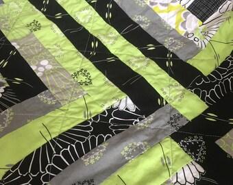 Spring Summer modern log cabin patchwork quilt gender neutral baby toddler nursery quilt blanket stroller carseat blanket black green white