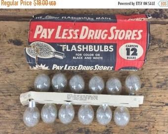 ON SALE Vintage Number 5 Flashbulbs Photoflash Lamps Bulbs Medium Peak
