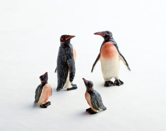 Vintage penguin figurines from Germany – set of small resin penguins – penguin décor – winter décor