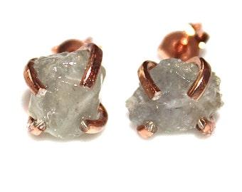 Raw Sapphire Stud Earring Seafoam Earring Green Sapphire Jewelry Umba Sapphire Earring December Birthstone Sapphire Prong Earring Raw Gems