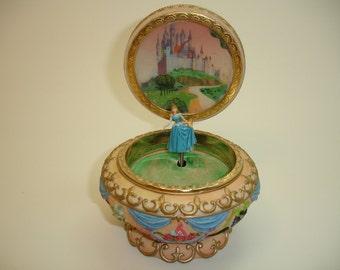 Walt Disney 1952 Sleeping Beauty Music Box Rare Collector Aurora Vintage Free Shipping