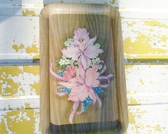 ON SALE Vintage Set of Four Metal Serving Trays, Faux Wood Grain with Pink, Blue and white Spring Flowers, Mid Century Modern, Cottage Chic