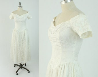 Vintage White Lace Prom Dress - 80s Off the Shoulder Sweetheart Neckline Party Dress - Fit and Flare Bridal Gown - Size Small