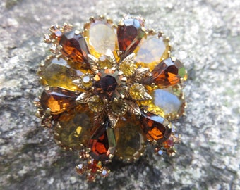 Art Deco 1940s Brooch,  Amber Glass Vintage Pin