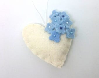 Felt heart ornament with flowers - White with blue - nursery decor - Spring nature decoration - ideas for Easter