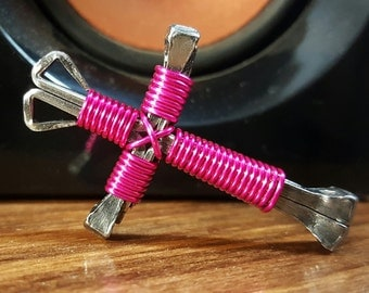 L@@K Hot Pink Disciples Cross Necklace # Christian Wire Metal Nails Jewely Brand New