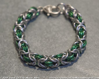 Green & Silver Byzantine Weave Chain Maille Bracelet With Silver Celtic Heart Clasp