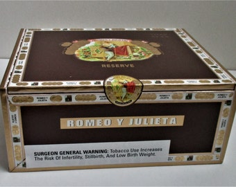 Large Wooden Cigar Box Romeo Y Julieta Churchill Brown Paper Covered Wood Jewelry Craft Supply Box Cigar Box Pocketbook Guitar Craft Storage