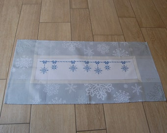 Cross stitch christmas,ready to ship,centerpiece, blue, white, handmade,snowflakes,kitchen,home,made in Italy, decoration, ornament, gift