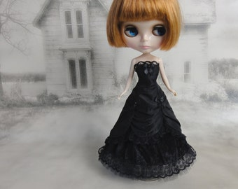Long black  victorian dress hand made fits Blythe doll