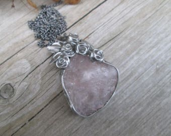 metal pendant with  rose quartz