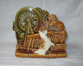 "1953 McCoy Pottery SPINNING WHEEL Planter, Cat & Dog, Brown Green, 7.25"" x 6.5"""