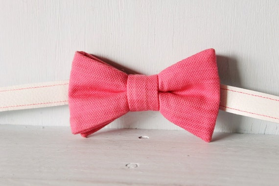 Bow tie unisex >> Pink bow, leather strap, buckle >> Brisbane