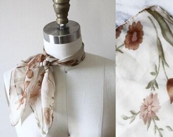 1970s floral neck scarf // vintage neck scarf // floral scarf