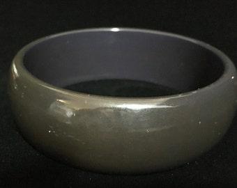 Vintage Drk Charcoal Grey Lucite Bangle   (ABX1H)