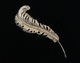 Vintage RARE Gold Tone JewelCraft Curled Feather Brooch (JT1)