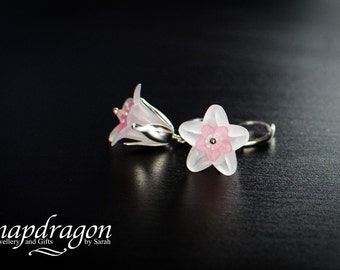 Pretty silver pink and and white flower earrings