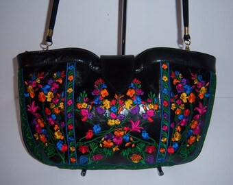 Vintage J. Renee Black Pink Blue Red Green Orange Yellow Floral Flower Vine Motif Embroidered Leather Bag Purse Handbag Clutch Shoulder